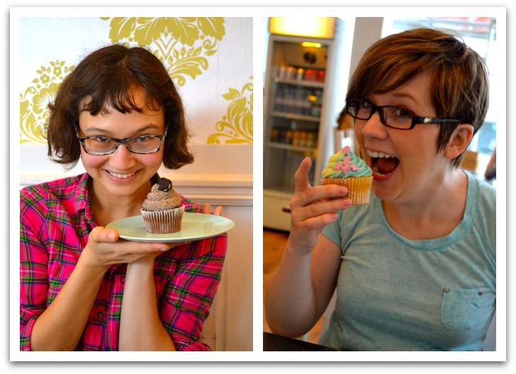 Micro-Pleasure Monday: Cupcakes with Blogcadets