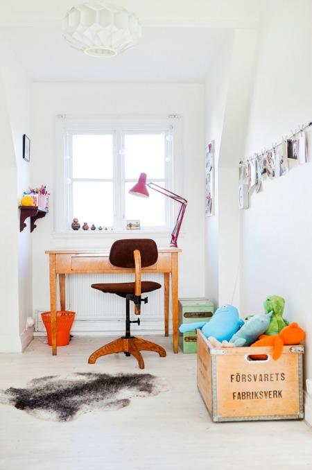 Min-spiration: Minimal Desks